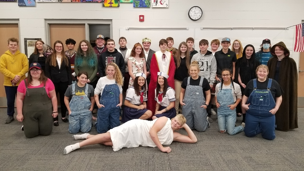Elwood One-Act cast and crew at Minden High School