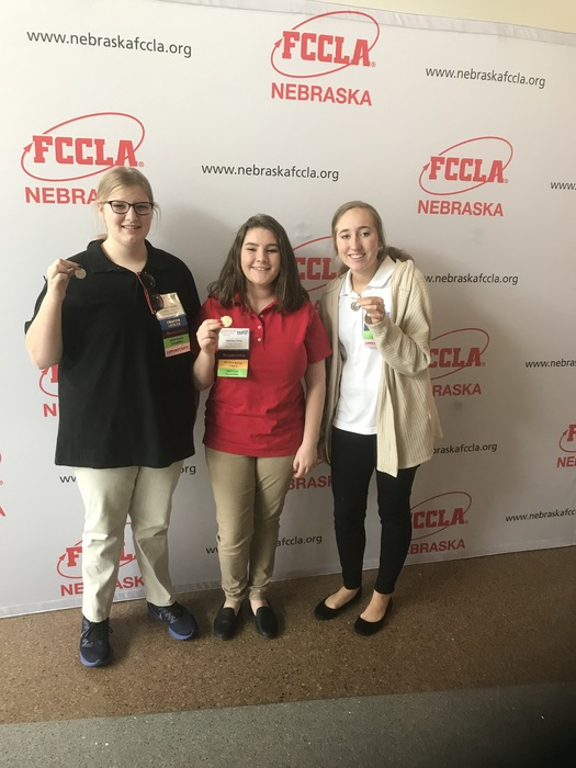 Kaydee and Matteya competed in Chapter Service Display and earned a silver. Marissa competed in Illustrated Talk and earned a gold. Great Job STAR participants!