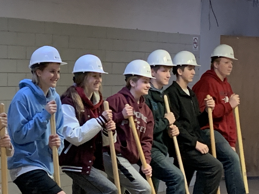 Students breaking no ground in building project